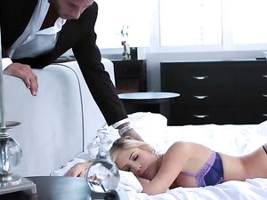 Hot Couple Oils Up For Hardcore Creampie Fucking