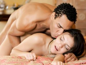 BBC Makes Erotic Interracial Love To The Teen Chick