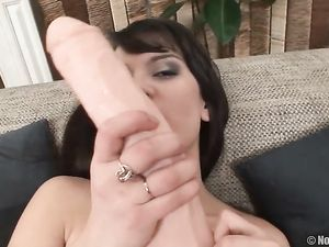 Solo Sweetheart Fucking Her Pussy With Big Toys