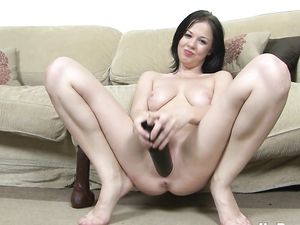 Big Black Toys Fuck The Cunt Of A Sexy Solo Girl