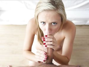 Young Teen GF Wants Big Cock Inside Her Badly