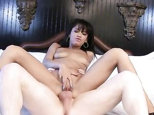 Ebony Hottie Riding A White Cock Before A Cum Shot
